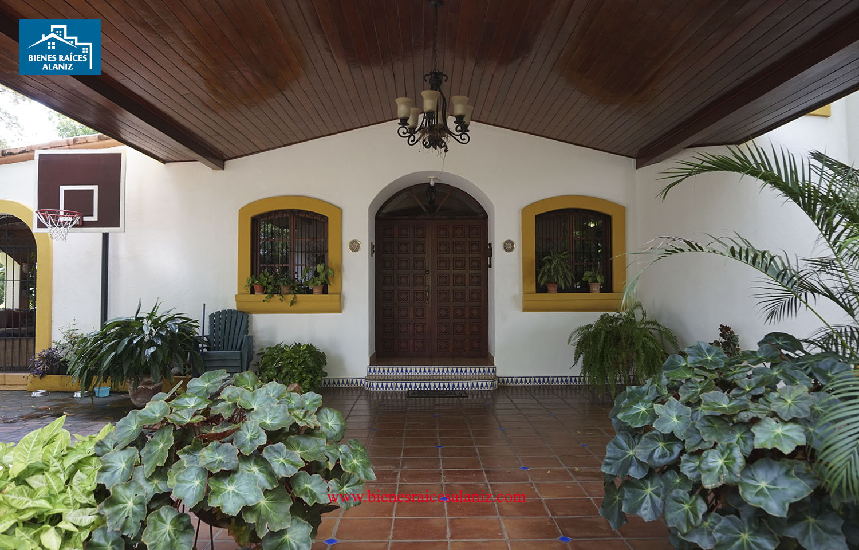 Se vende hermosa casa en Campo Real Veracruz
