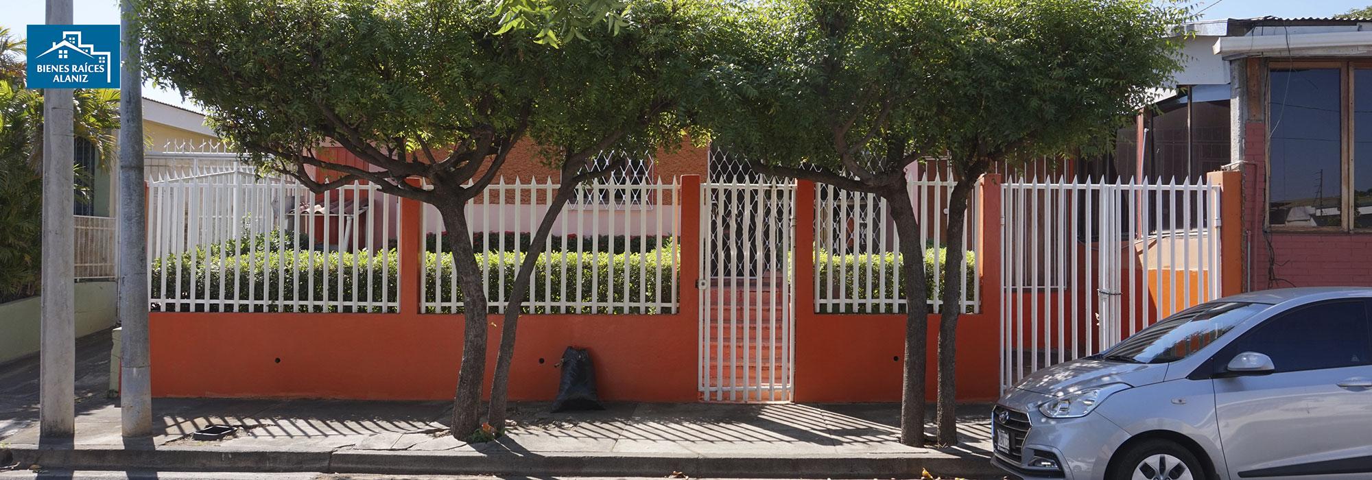 Se vende linda casa en Altamira